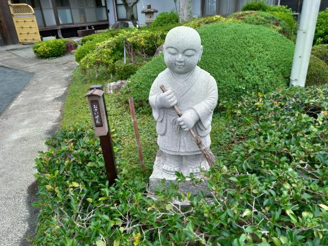 實相寺の像