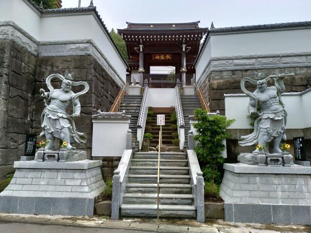 妙音寺の山門
