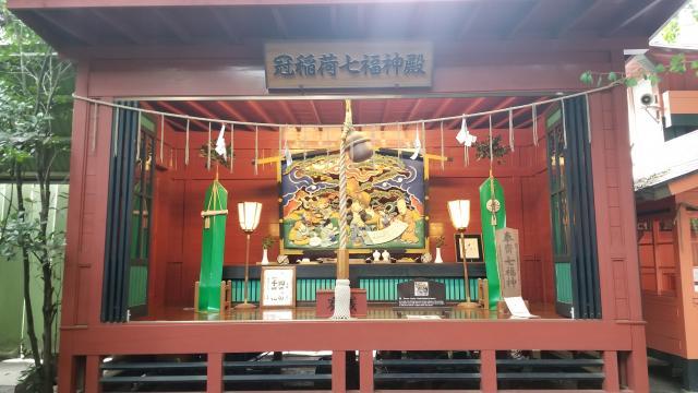 群馬県冠稲荷神社の本殿