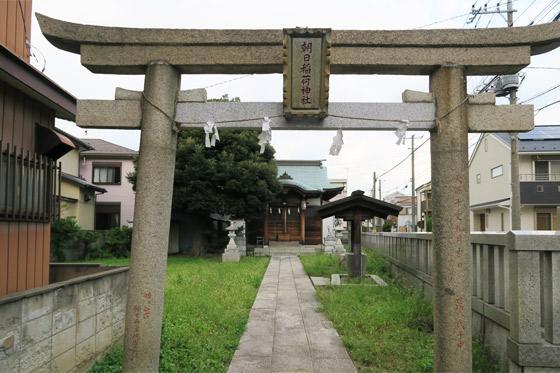 埼玉県朝日稲荷神社の鳥居