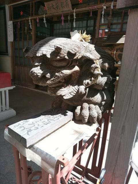 翁稲荷社の狛犬