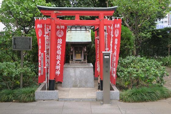 東京都錦秋稲荷大明神の本殿