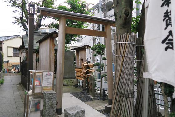 東京都榎第六天神の鳥居