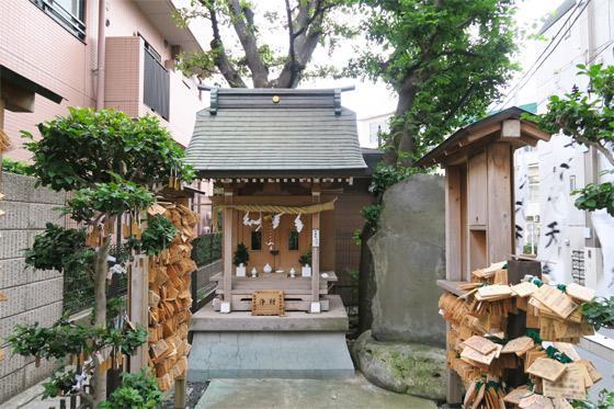 東京都榎第六天神の本殿