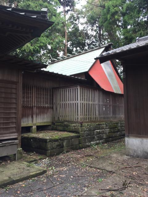 腰掛神社の本殿