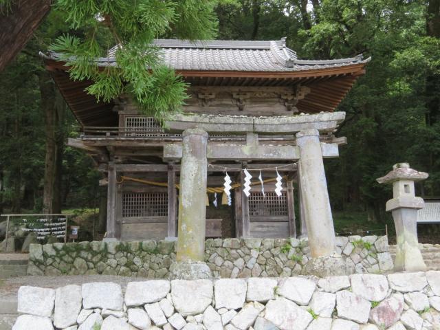 山梨県武田八幡宮の本殿