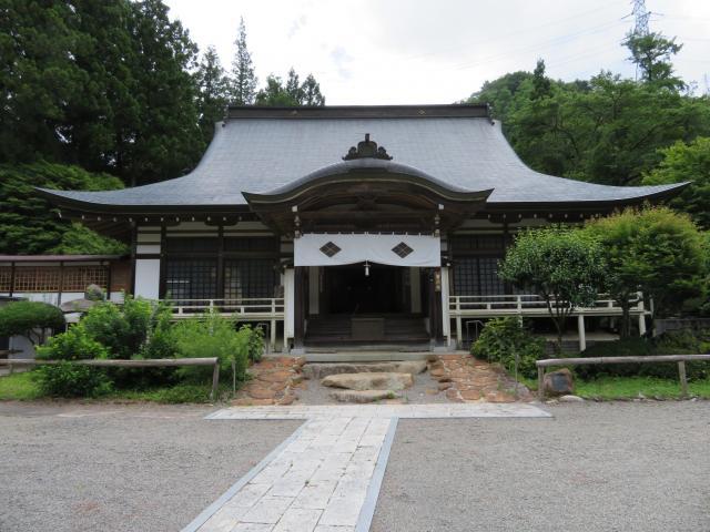 山梨県景徳院の本殿