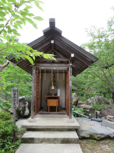 山梨県夫婦木神社姫の宮の本殿