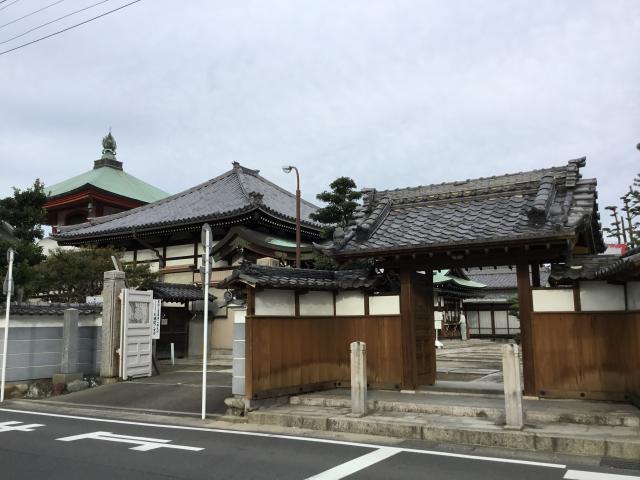 愛知県大徳院の山門