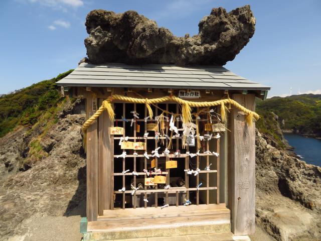 静岡県石室神社の本殿