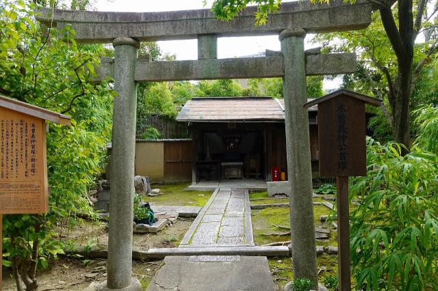 京都府法観寺の鳥居