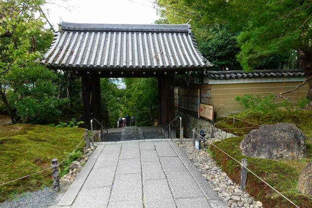 京都府高台寺の山門