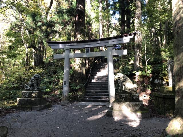 十和田神社の山門