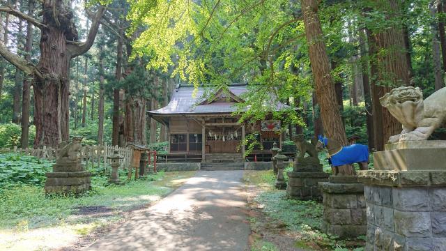 巖鬼山神社の本殿