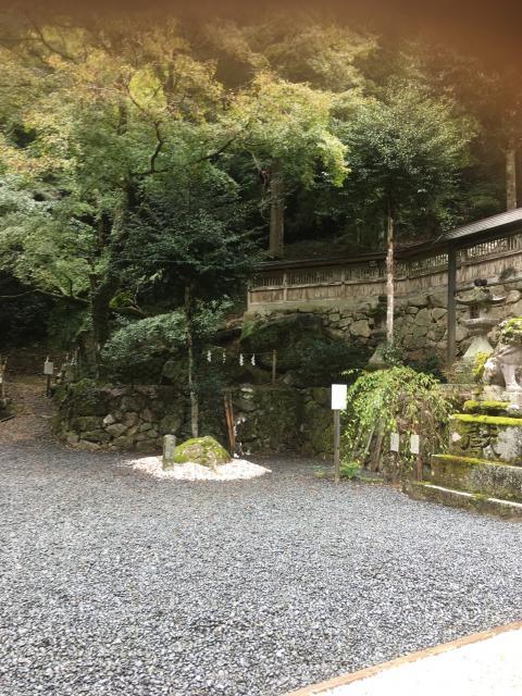 奈良県與喜天満神社の庭園