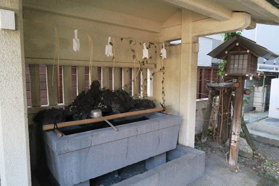 金山神社の手水