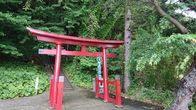 青森県高倉神社の鳥居