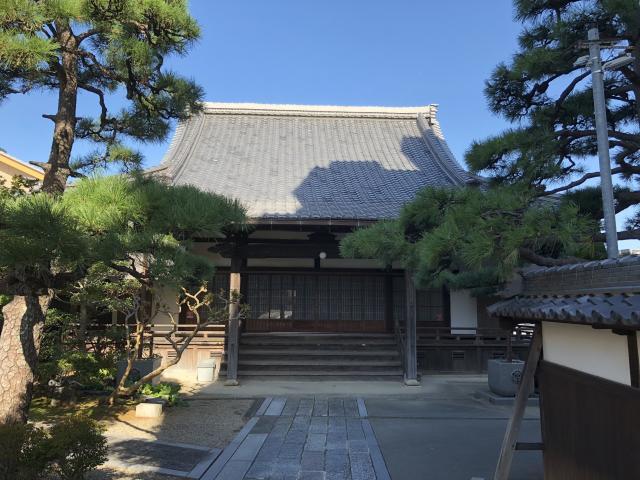 願証寺の本殿