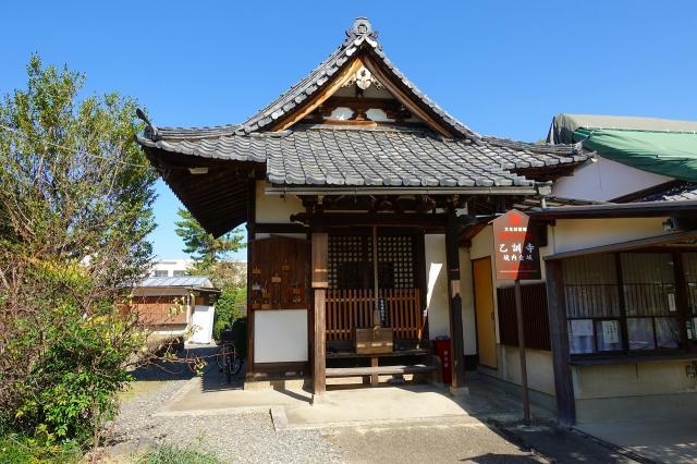 京都府乙訓寺の本殿