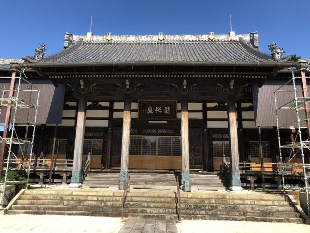 養泉寺の本殿