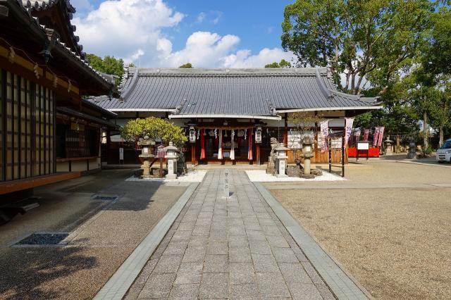 大阪府片埜神社の本殿
