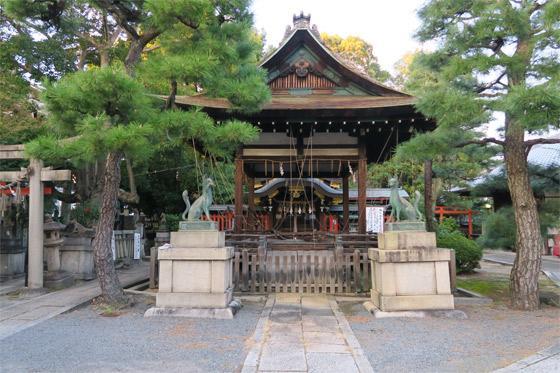 京都府満足稲荷神社の本殿