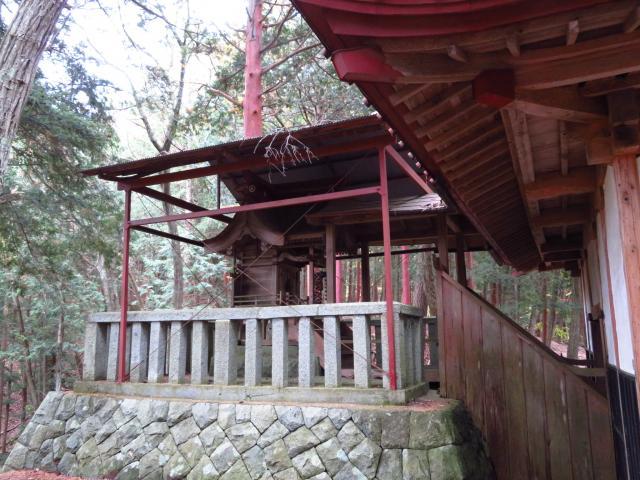 山梨県雲峰寺の本殿