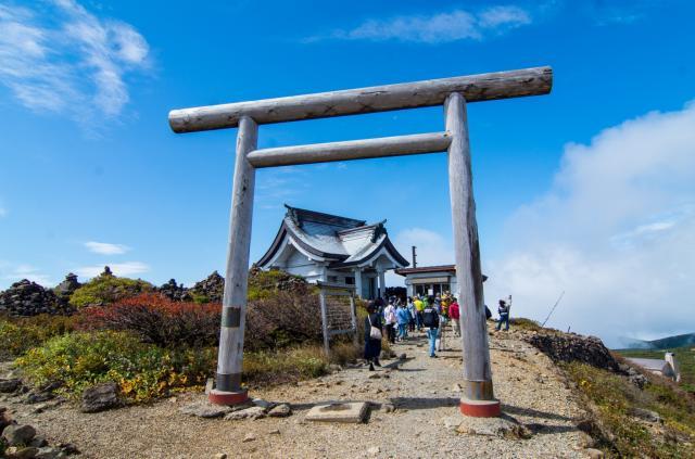 刈田嶺神社(奥宮)の鳥居