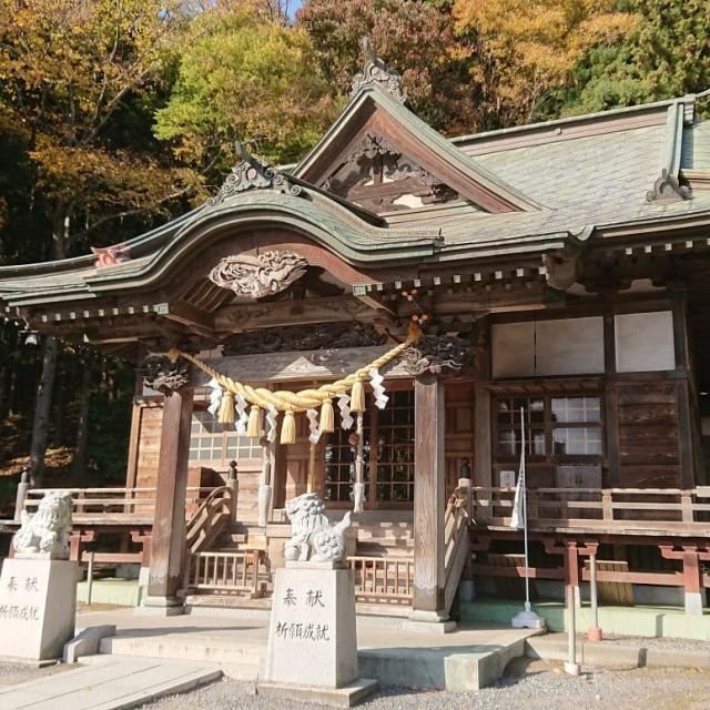 青森県八幡宮の本殿