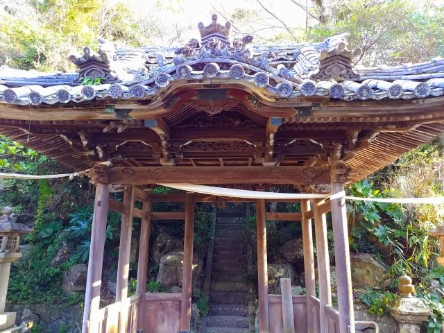愛知県尾風山 泉蔵院の山門