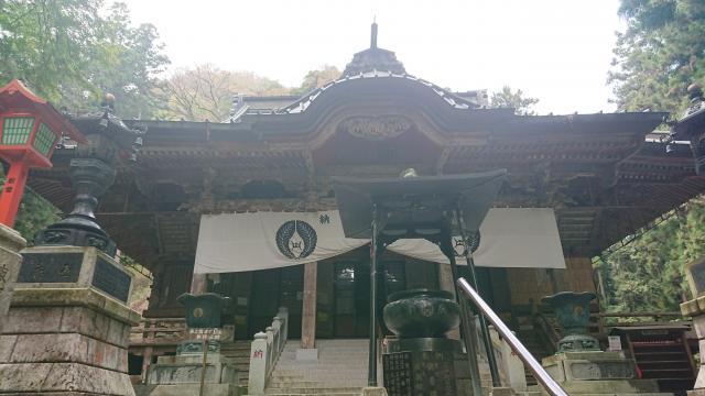 出流山満願寺の本殿