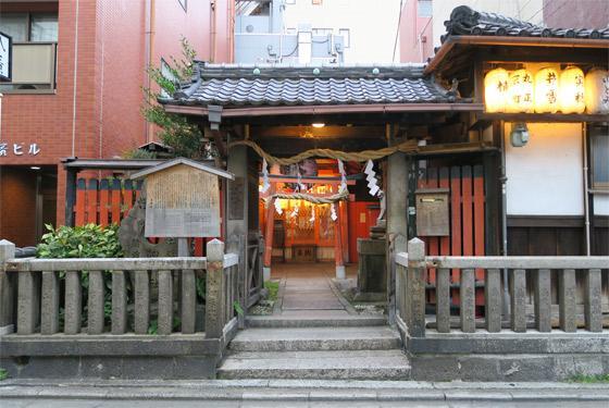 京都府岬神社(土佐稲荷神社)の本殿