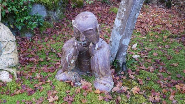 三明院の像
