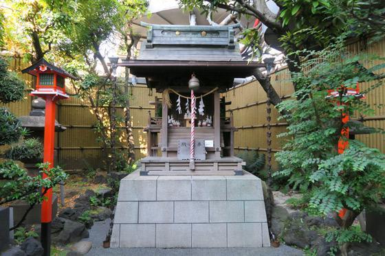 東京都靍護稲荷神社の鳥居