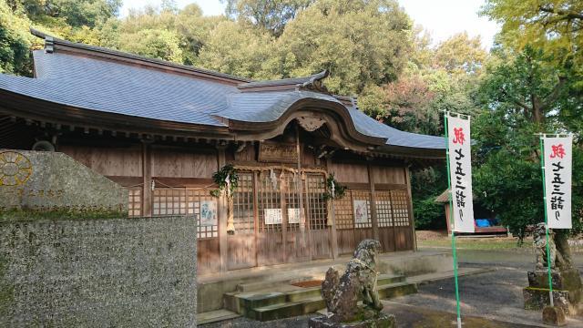 妻山神社の本殿