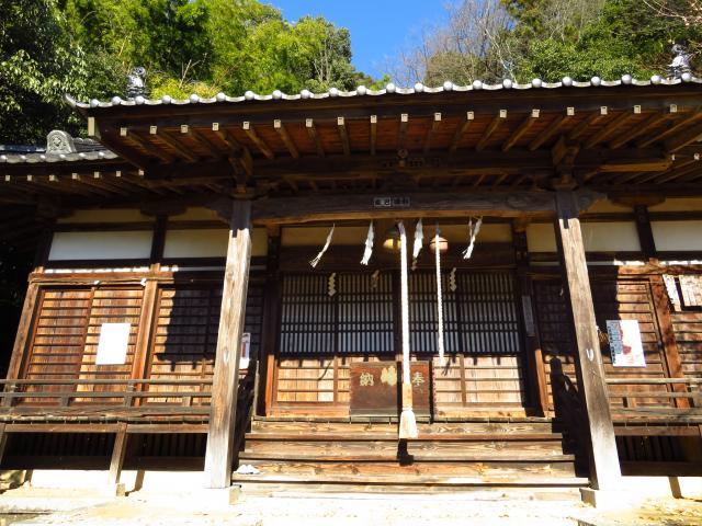 山梨県黒戸奈神社の本殿