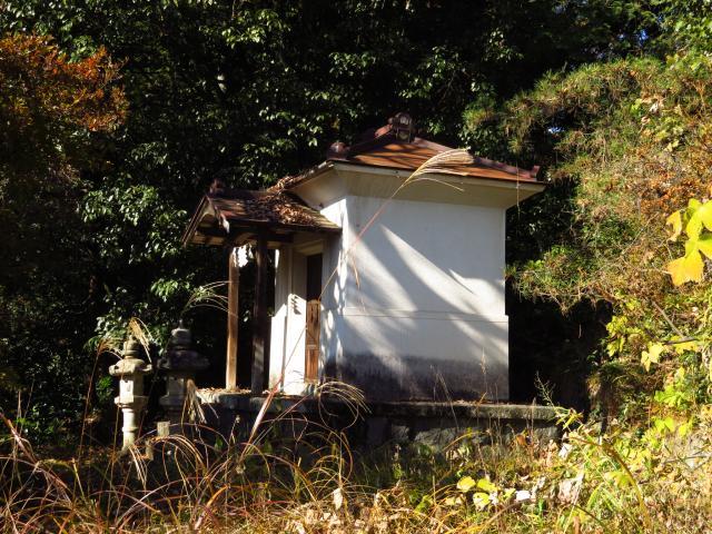 山梨県黒戸奈神社の建物その他