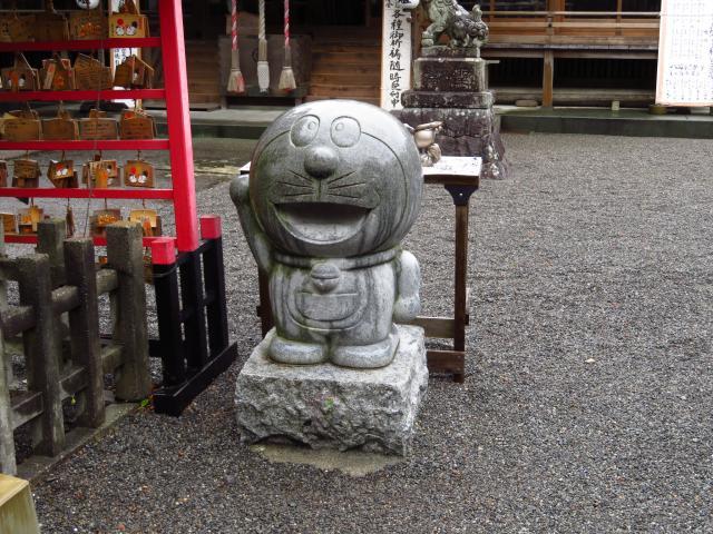 龍尾神社の像