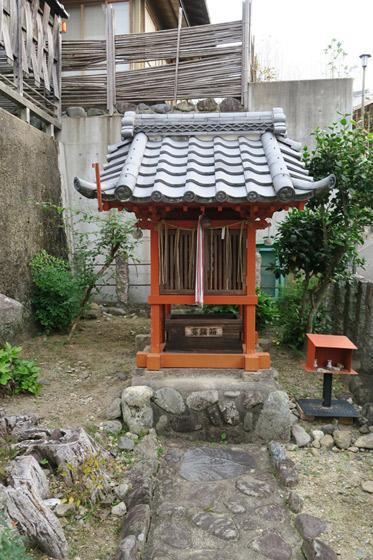 平等院の近くの神社お寺|末多武利神社
