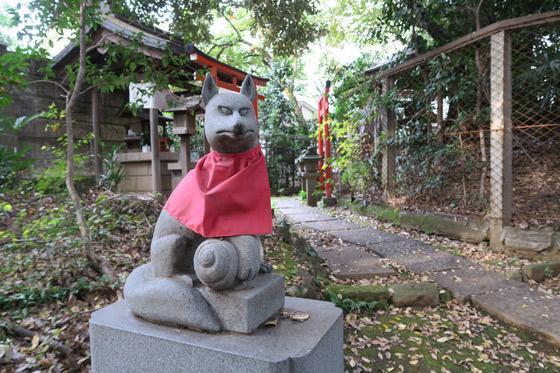 威光稲荷堂の狛犬