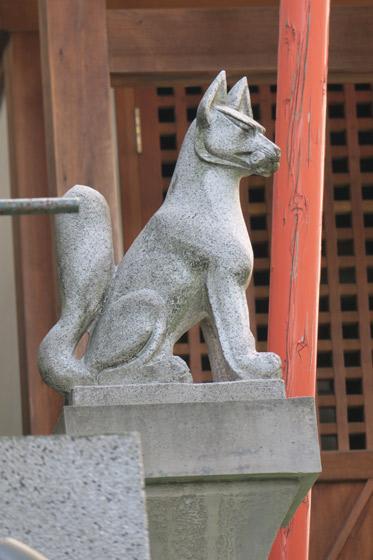 矢場稲荷神社の狛犬