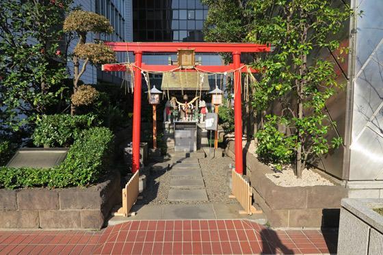 東京都有楽稲荷神社の鳥居