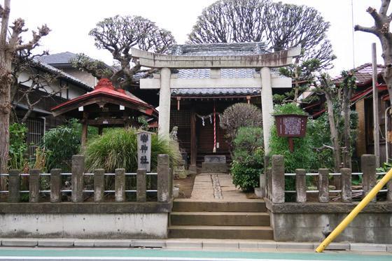 東京都轡神社の鳥居