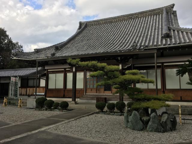 瑞境寺の本殿