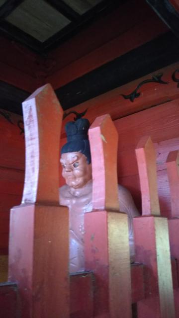 武生神社の像