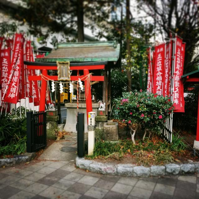 草分稲荷神社の本殿