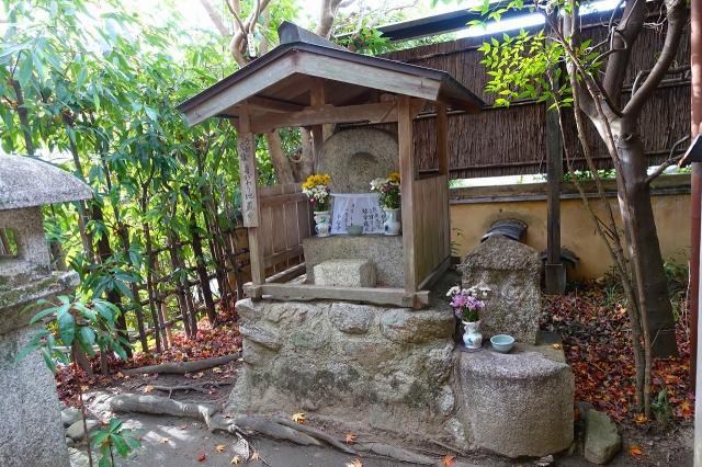 金福寺の建物その他