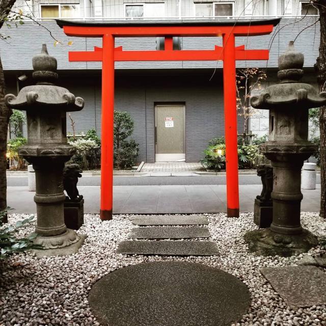 歌舞伎稲荷神社の近くの神社お寺|安平神社