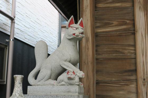 孫三稲荷神社の狛犬