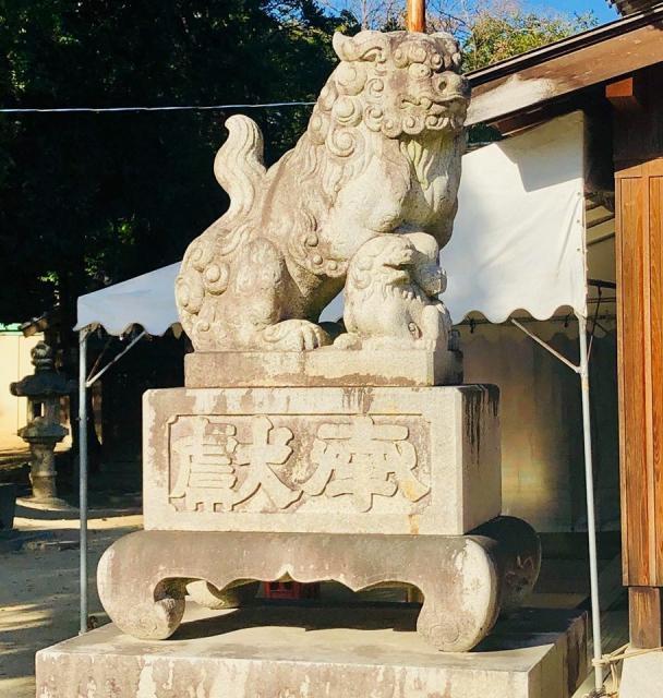 伊久智神社の狛犬